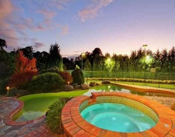 Moderne Gartengestaltung u2013 100 erstaunliche Gartenideen - pool - moderne gartengestaltung mit pool