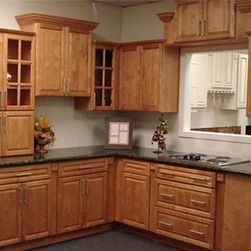 Maple cabinets and dark counter top.   HOME kitchen ... on Maple Cabinets Black Countertops  id=64313