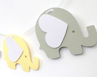 Elephant Cupcake Toppers Pastel amarillo y gris. por MyPaperPlanet