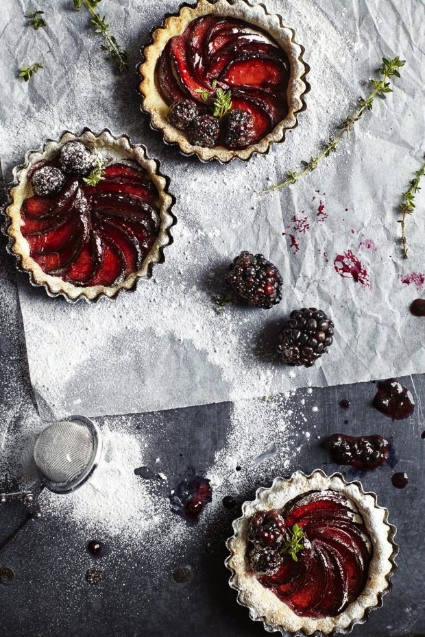 plum and blackberry tartlets | ollie bo.