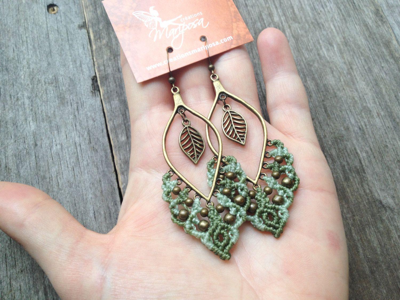Micro macramé earrings soft green boho por creationsmariposa