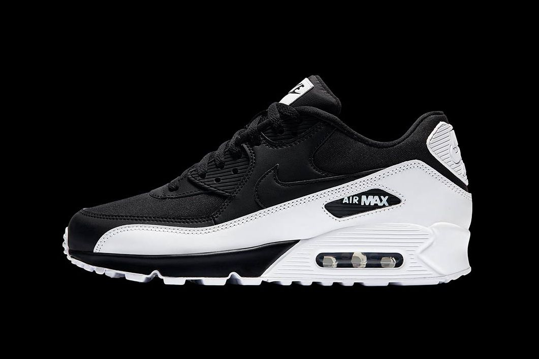 "the best attitude 8f755 65147 The Nike Air Max 90 Receives an Alternate Black  amp  White ""High Contrast"""