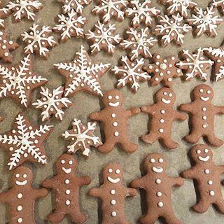 Wer bekommt bei diesem Wetter nicht auch Lust aufs Backen? Wenn Ihr noch ein schönes Rezept dafür sucht, findet Ihr jetzt diese schönen #lebkuchencookies auf unserem Blog!  Link wie immer oben in der Bio ⬆️⬆️⬆️#cookiedotandmederblog #rezept