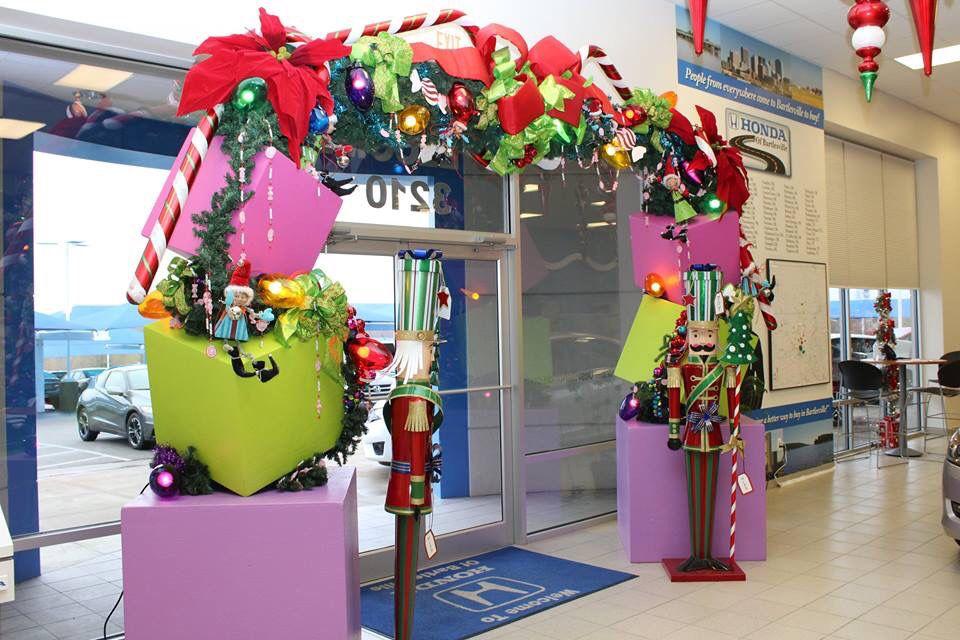christmas decorations at car dealership