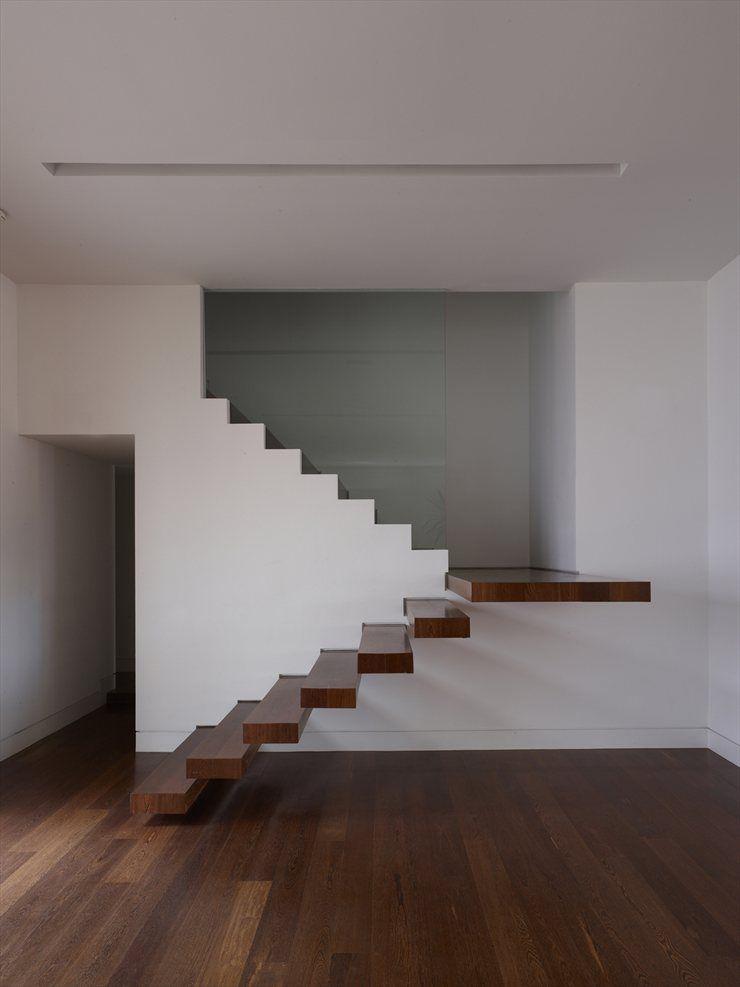 Precioso parquet de roble tintado parquet pinterest for Escaleras de parquet