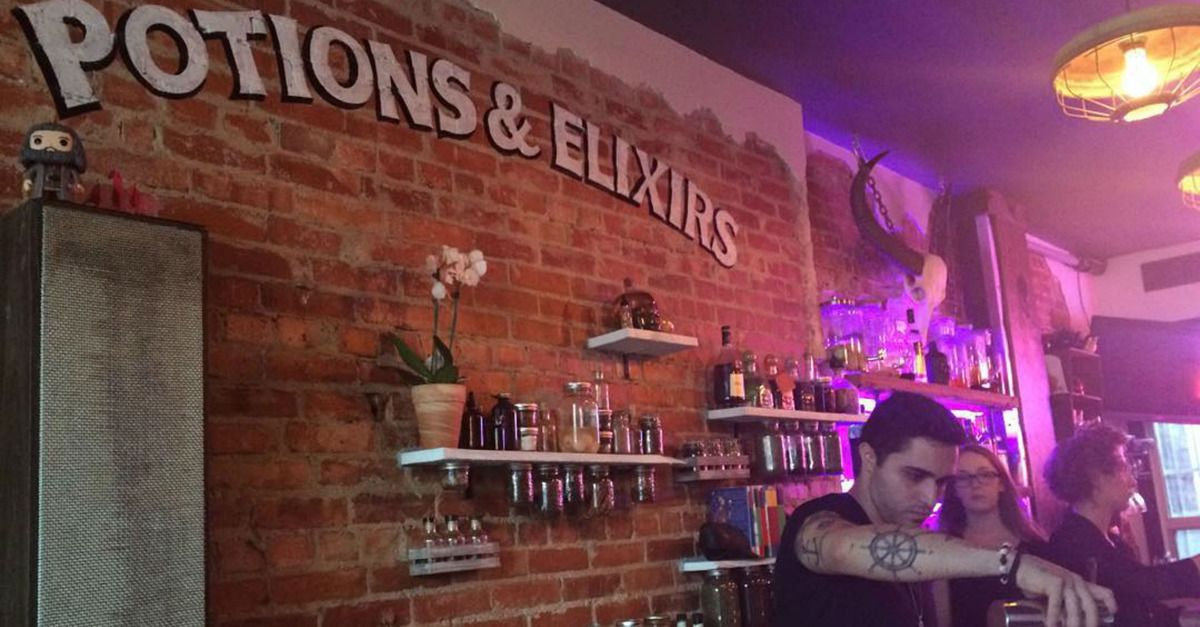 Harry Potterthemed bar opens up because alcohol is