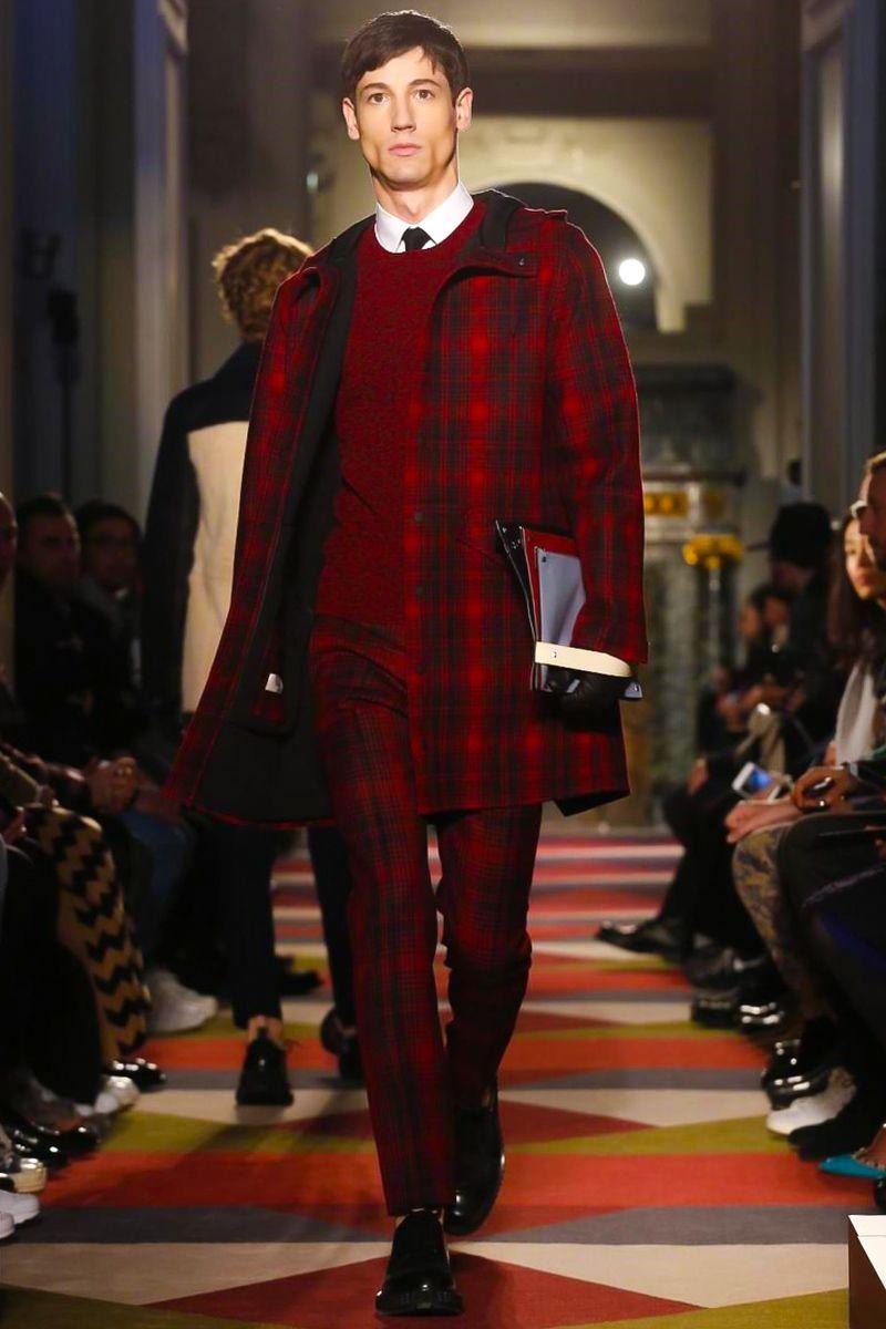 Valentino Menswear Fall Winter 2015 Paris - NOWFASHION