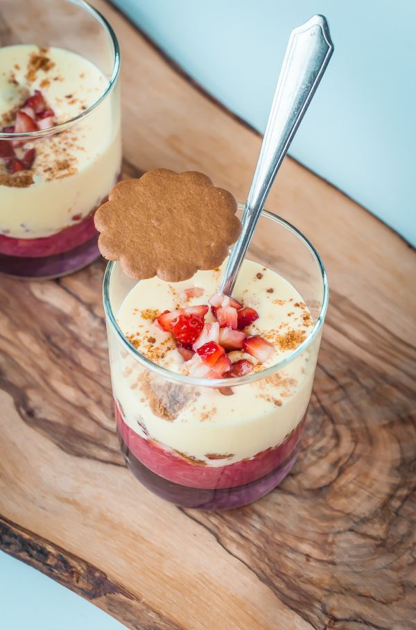 Zabaglione with Rhubarb, Strawberry, & Ginger Cookie Crumble | bloggingoverthyme.com