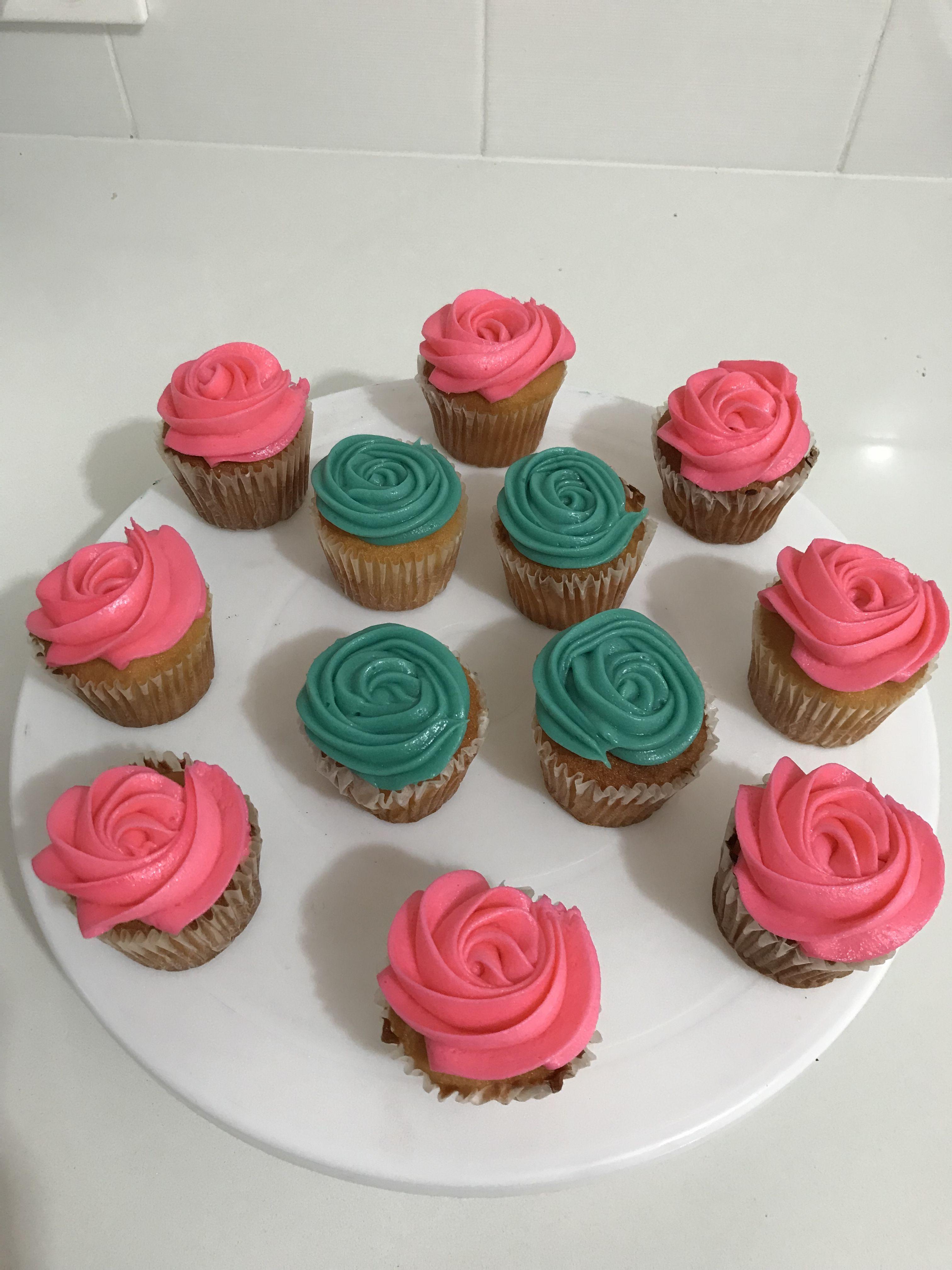 Rosettes Cupcakes Cake Decoration By Kenya Lima Pinterest