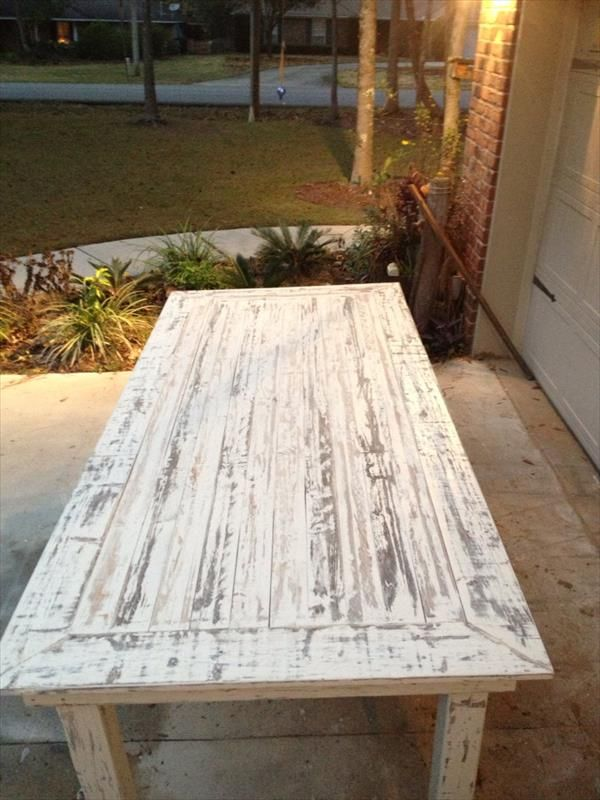 White Washed Pallet Farmhouse Table Pallet Furniture DIY http