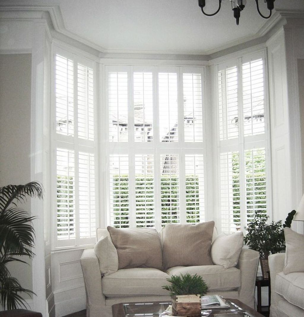 37 Inspiring Victorian Bay Window Seat Ideas Bay Window Living Room Bay Window Seat Victorian Living Room