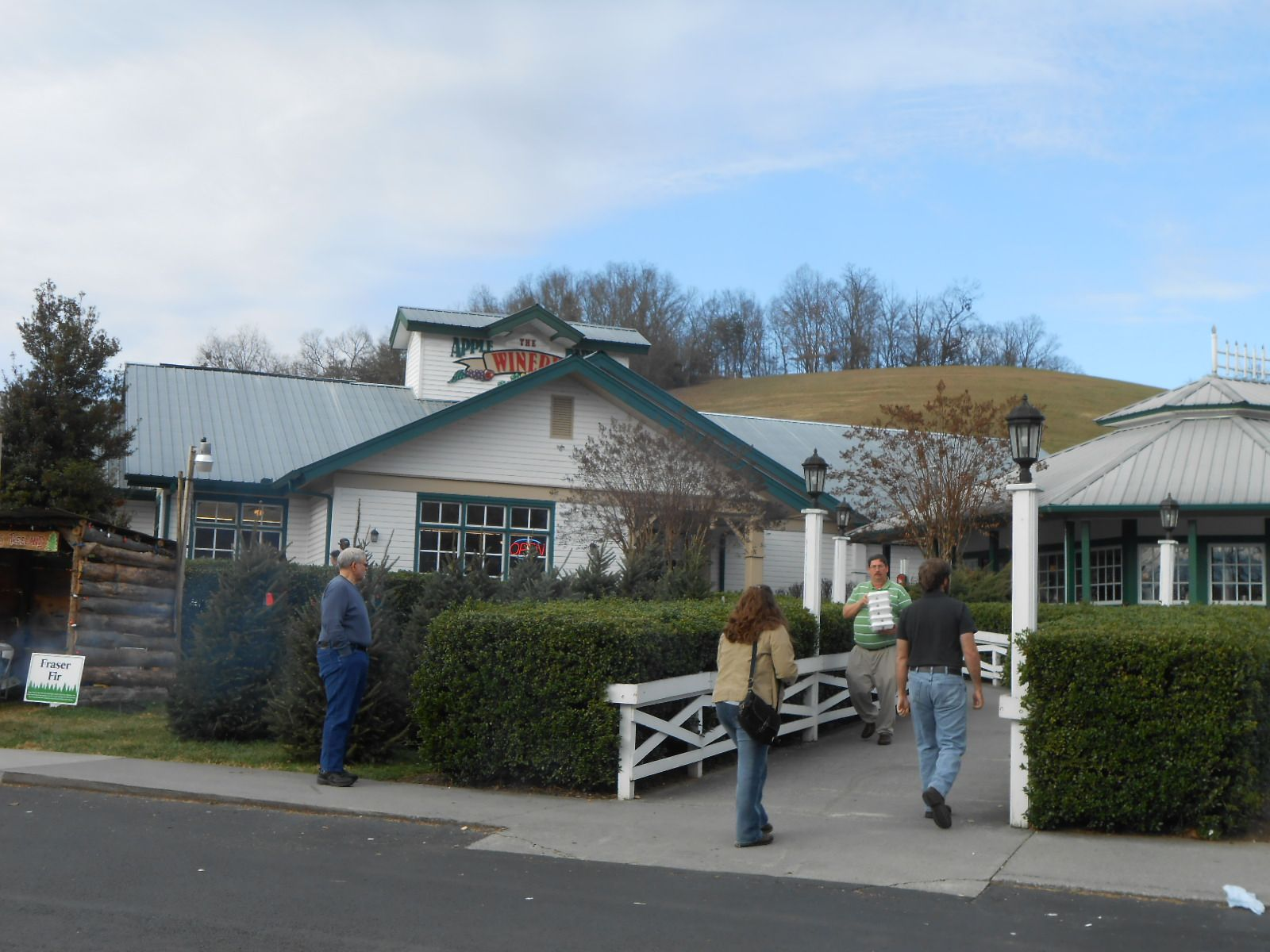 The Apple Barn Winery in Pigeon Forge, TN   Outdoor decor ...