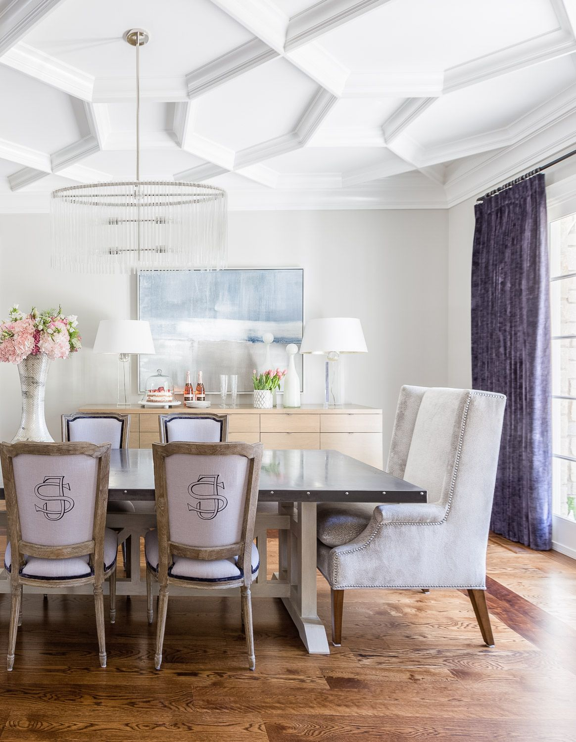 Sensational Bright White Dining Room Statement Chairs Build And Design Creativecarmelina Interior Chair Design Creativecarmelinacom