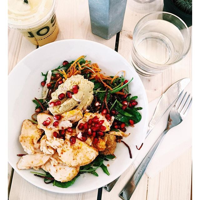 https://www.instagram.com/p/BFDJLHOIZbF/ granatäpple kyckling hummus sallad