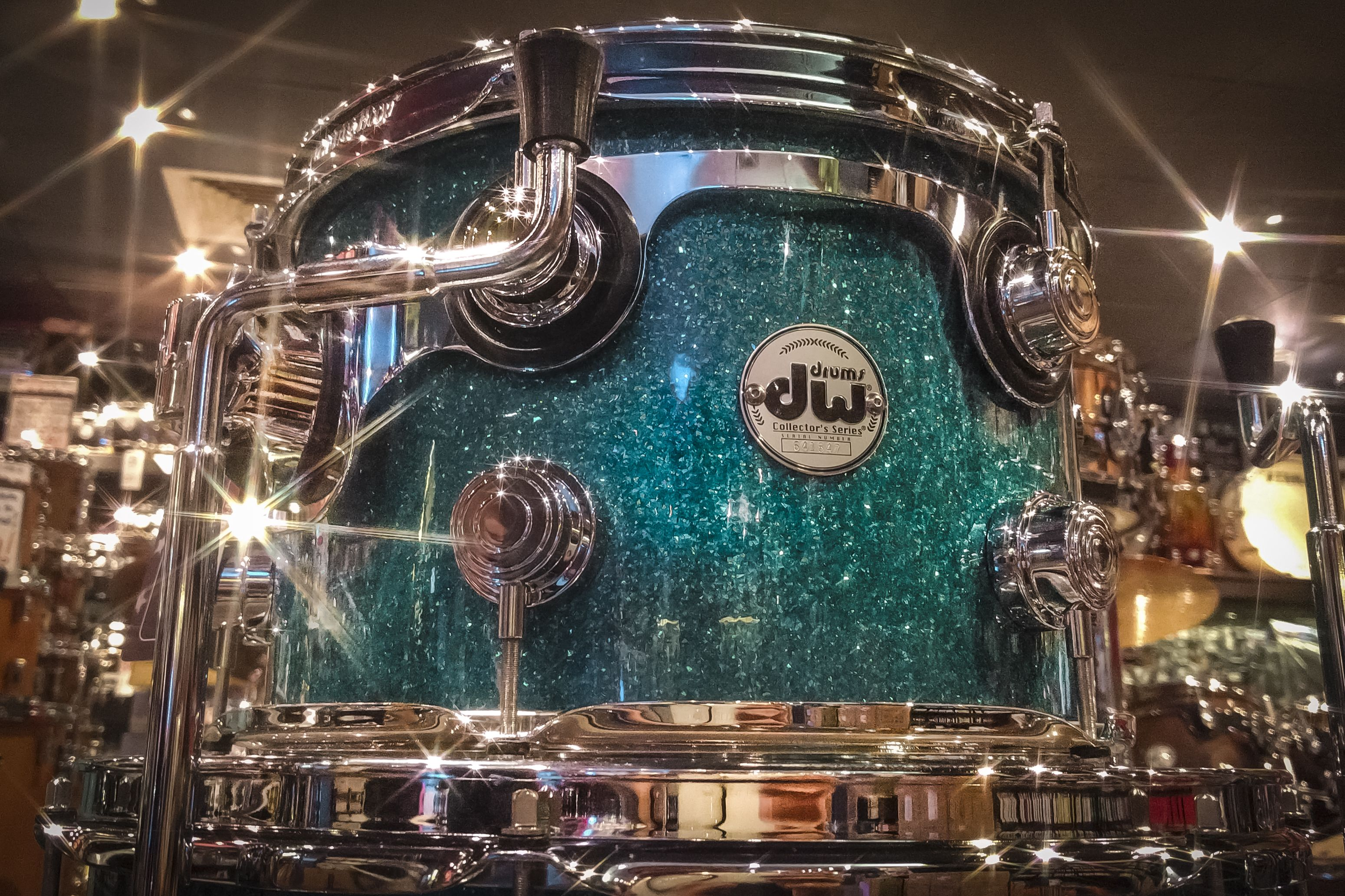 Unbelievably Good Lookin Dw Collector S Series Pure Maple In Teal Glass 22 X 16 Bass Drum 12 X 8 Tom And 16 X 14 Floor Tom D Drum And Bass Dw Drums Drums