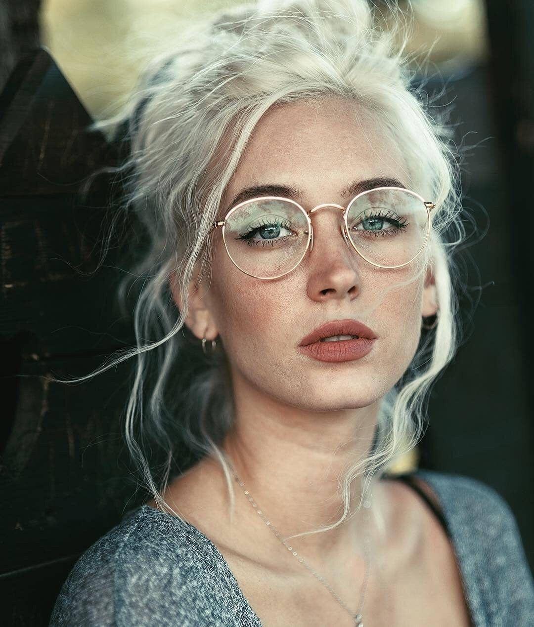 Carolina Porqueddu In Rayban Round Metal Eyeglasses Photography Inspiration Portrait Model Hair Womens Hairstyles