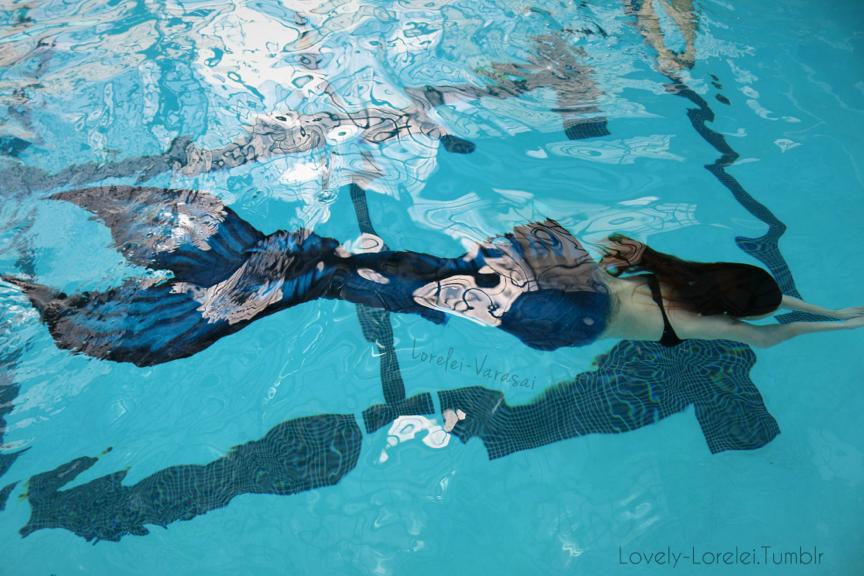 Swimming in my Finfolk Productions Tail <3 ~Mermaid Lorelei-Varasai~