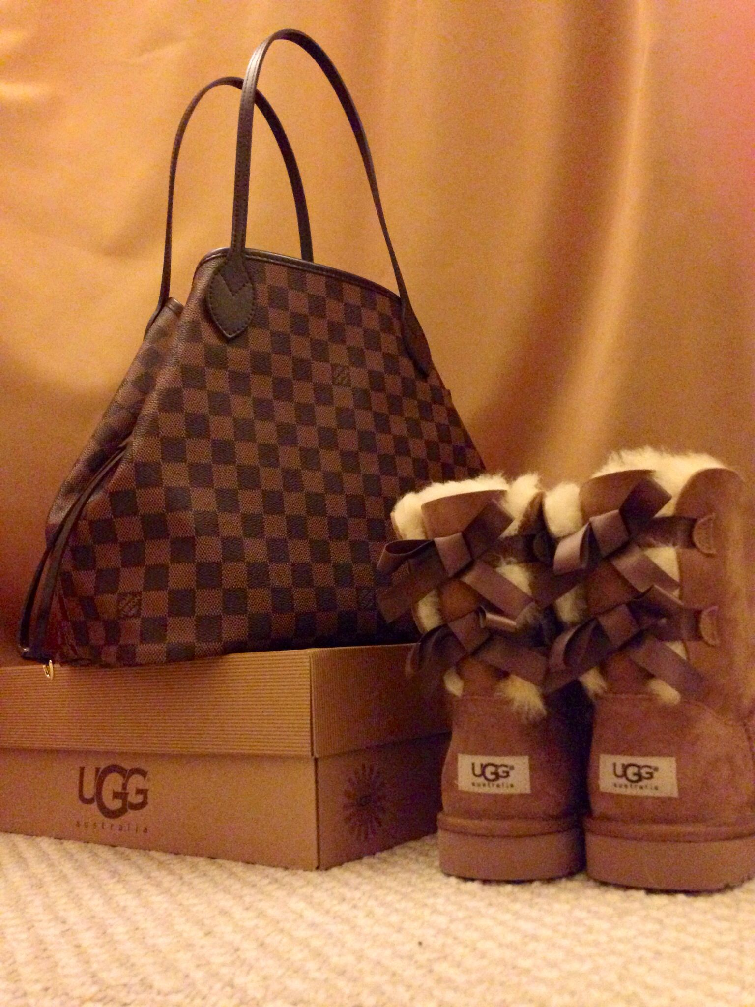 c5306e027a0a My two loved items at the moment  Louis Vuitton Neverfull Damier Ebene MM    Uggs Bailey Bows in Chestnut.