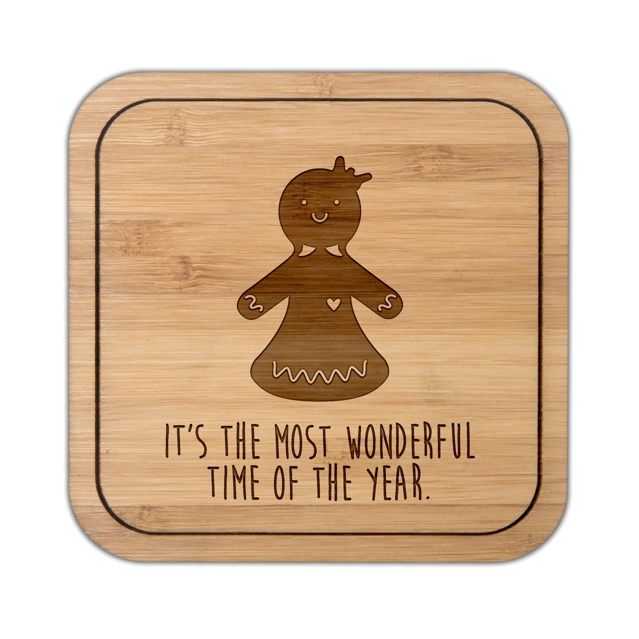 Untersetzer quadratisch Lebkuchenfrau aus Bambus  Coffee - Das Original von Mr. & Mrs. Panda.  Diese quadratischen Untersetzer mit abgerundeten Kanten sind ein besonderes Highlight auf jedem Esstisch. Jeder Gläser Untersetzer wurde mit viel Liebe handgefertigt und alle unsere Motive sind mit besonders viel Hingabe von unserer Designerin gestaltet worden. Im Set sind jeweils 4 Untersetzer enthalten.     Über unser Motiv Lebkuchenfrau  Die zuckersüße Lebkuchenfrau ist das bezaubernde…