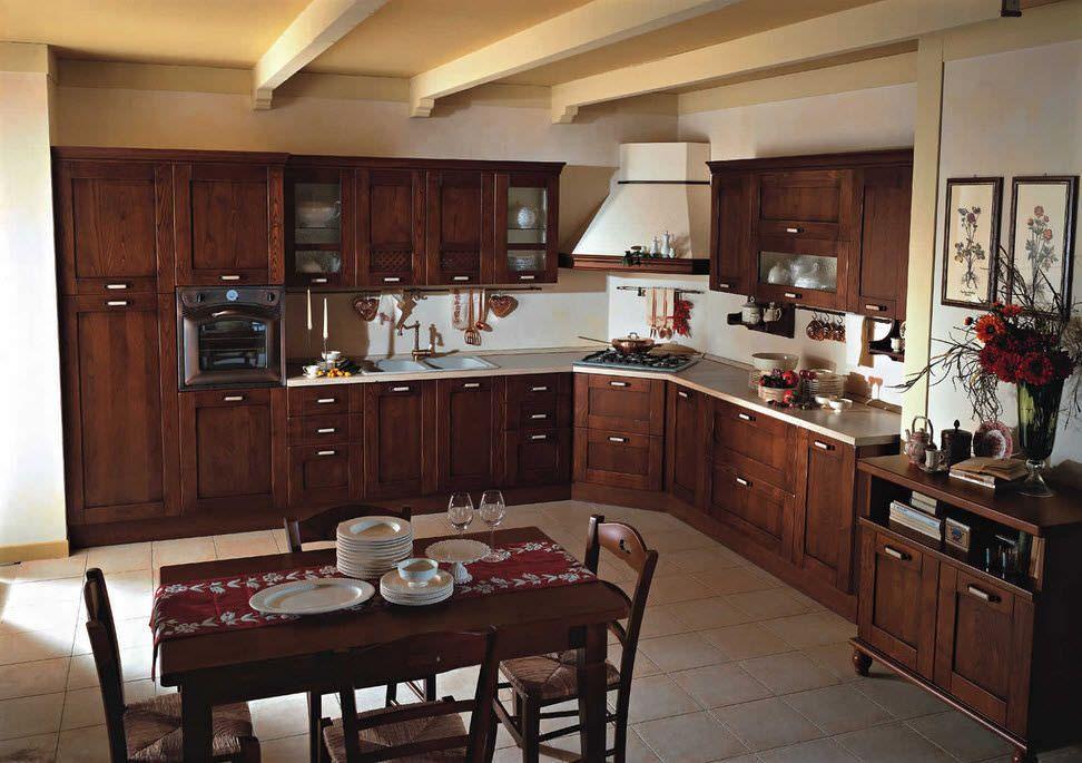Cucine In Legno Massello Prezzi : Cucina classica in legno ...