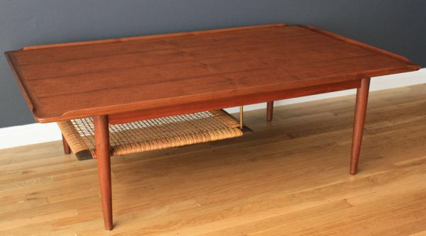 이미지 출처 http://cdn.homedit.com/wp-content/uploads/2012/09/danish-wood-table.jpg