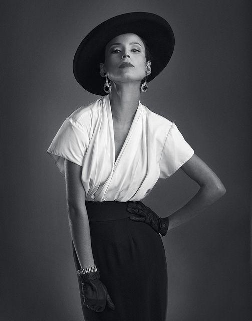 Vanessa 20 s Fashion in 2019  7987e7ecbcbf