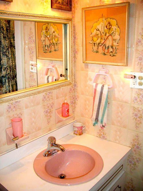 Cullen Meyer Crown Prince Of Kitsch 40 Photos Retro Renovation Pink Bathroom Vintage House