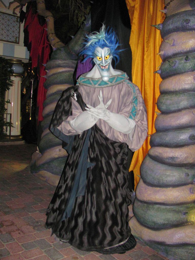 Hades at the Disney Villains Meet-And-Greet At Mickey's Halloween ...