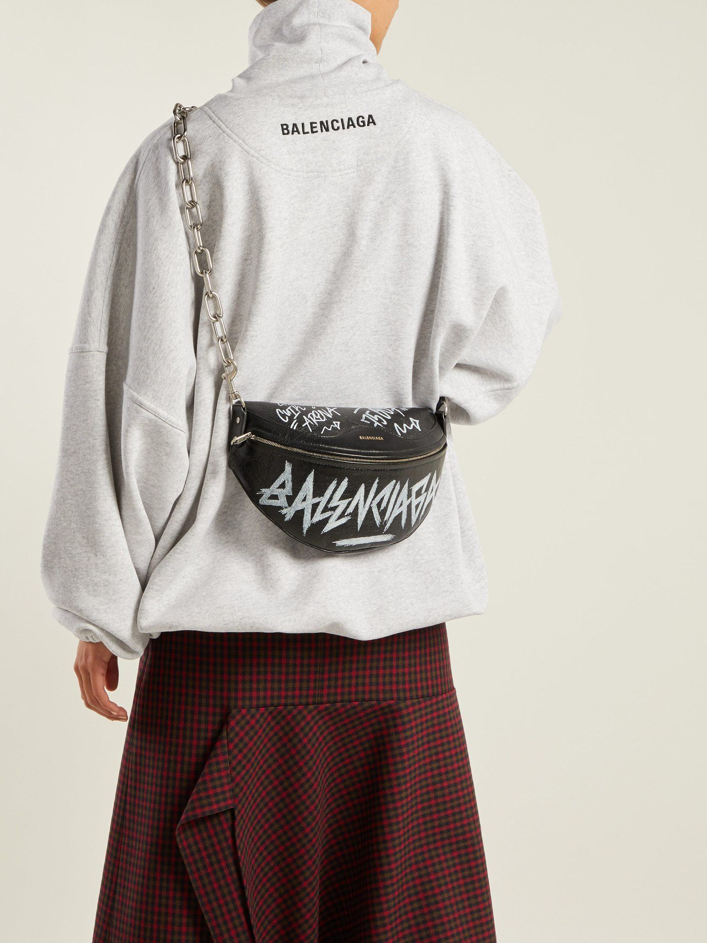 545f78f3235e Souvenir graffiti-print leather bag