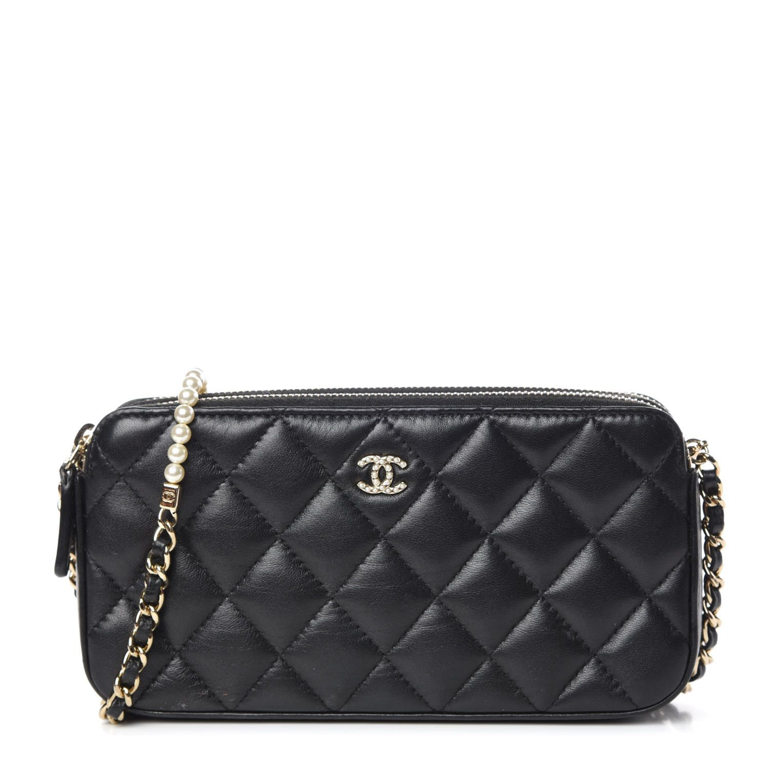 CHANEL Iridescent Lambskin Quilted Pearl Clutch With Chain