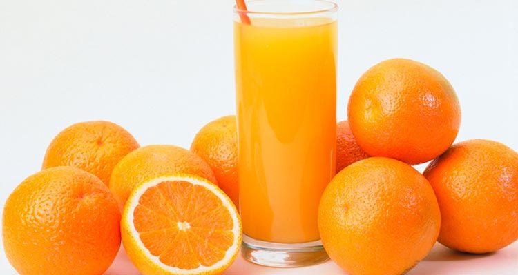 Estudo analisou consumo durante regime de voluntários. Além de ajudar a emagrecer, o suco também é benéfico para a saúde.