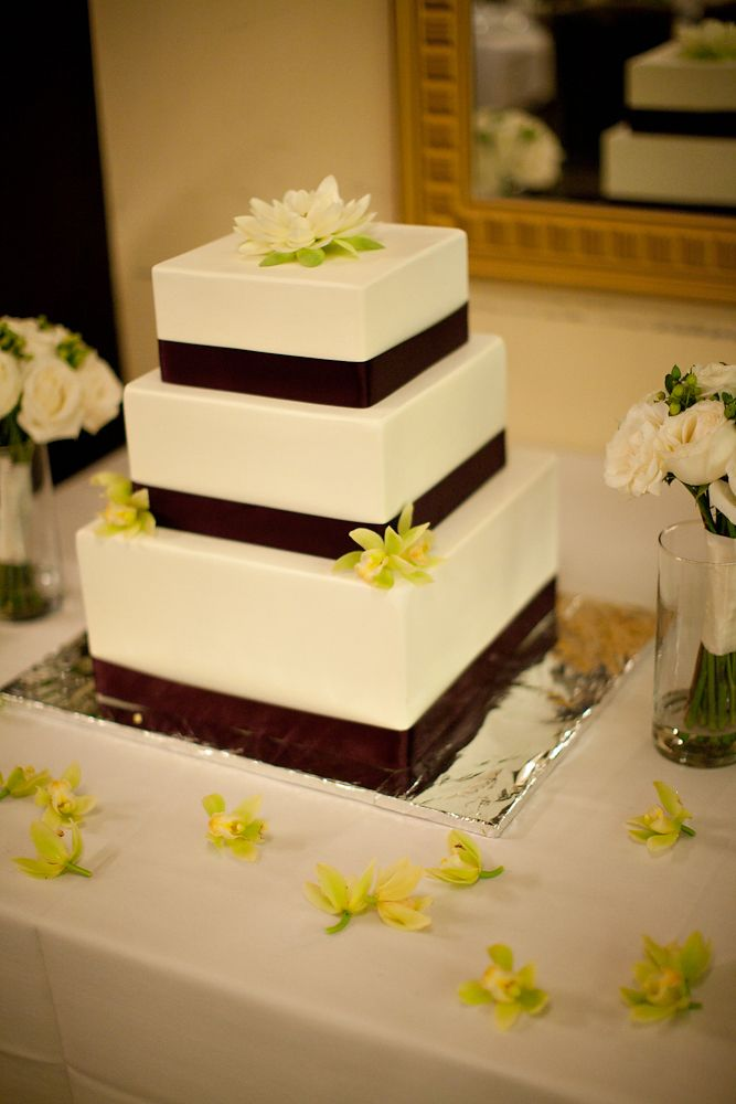 A Cherry-Flavored Kind of Weird: A real fake wedding cake: Part 3 ...