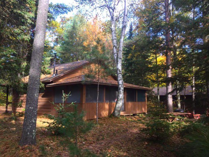 Wake Up To A View At This Jaw Dropping Cabin Getaway In Wisconsin Getaway Cabins Vacation Inspiration Wisconsin Travel