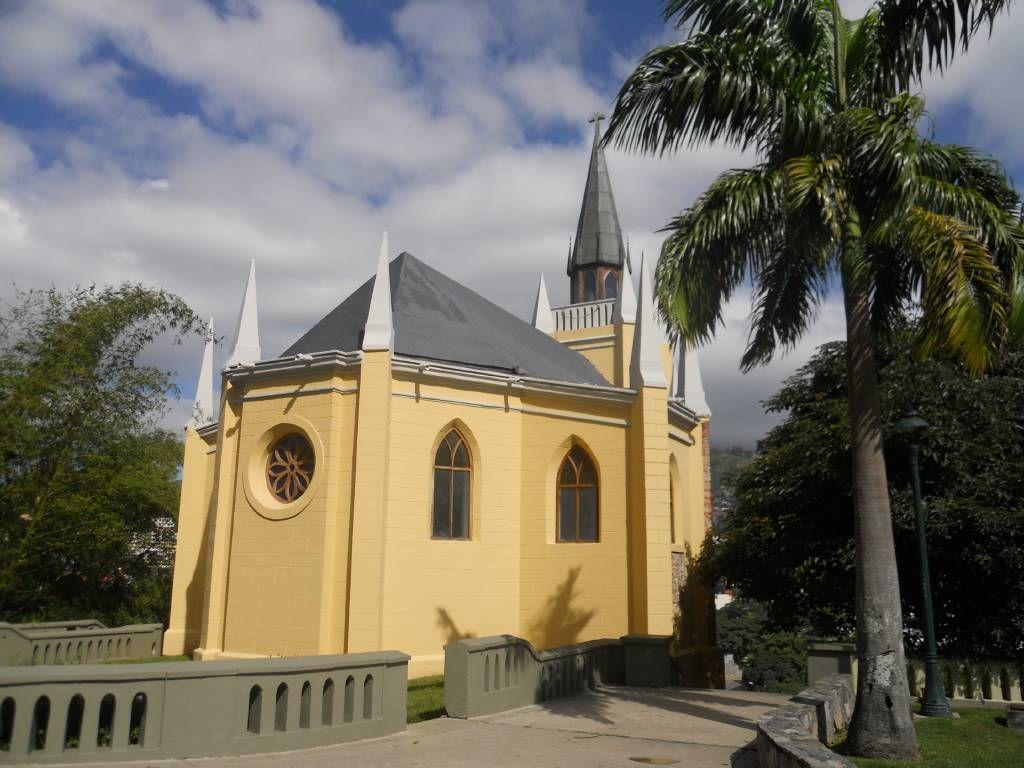 Capilla Nuestra Señora De Lourdes El Calvario Caracas House Styles Venezuela Mansions