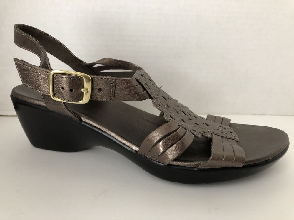 Clarks shoes womens size 75 w bronze heels sandals 7 12