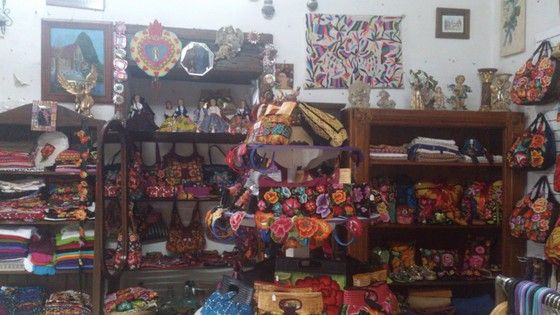 Sierra Morena - preciosidades en bolsas y otras chácharas totalmente fabricadas por manos Oaxaqueñas.
