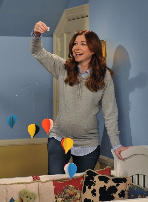 "Alyson Hannigan was pregnant while filming many season 4 episodes. | Community Post: 22 Things You Might Not Know About ""How I Met Your Mother"""