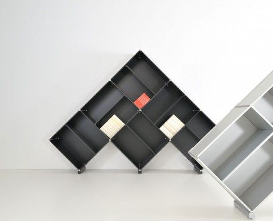 Modular bookcases shaped like pyramids by fitting digsdigs