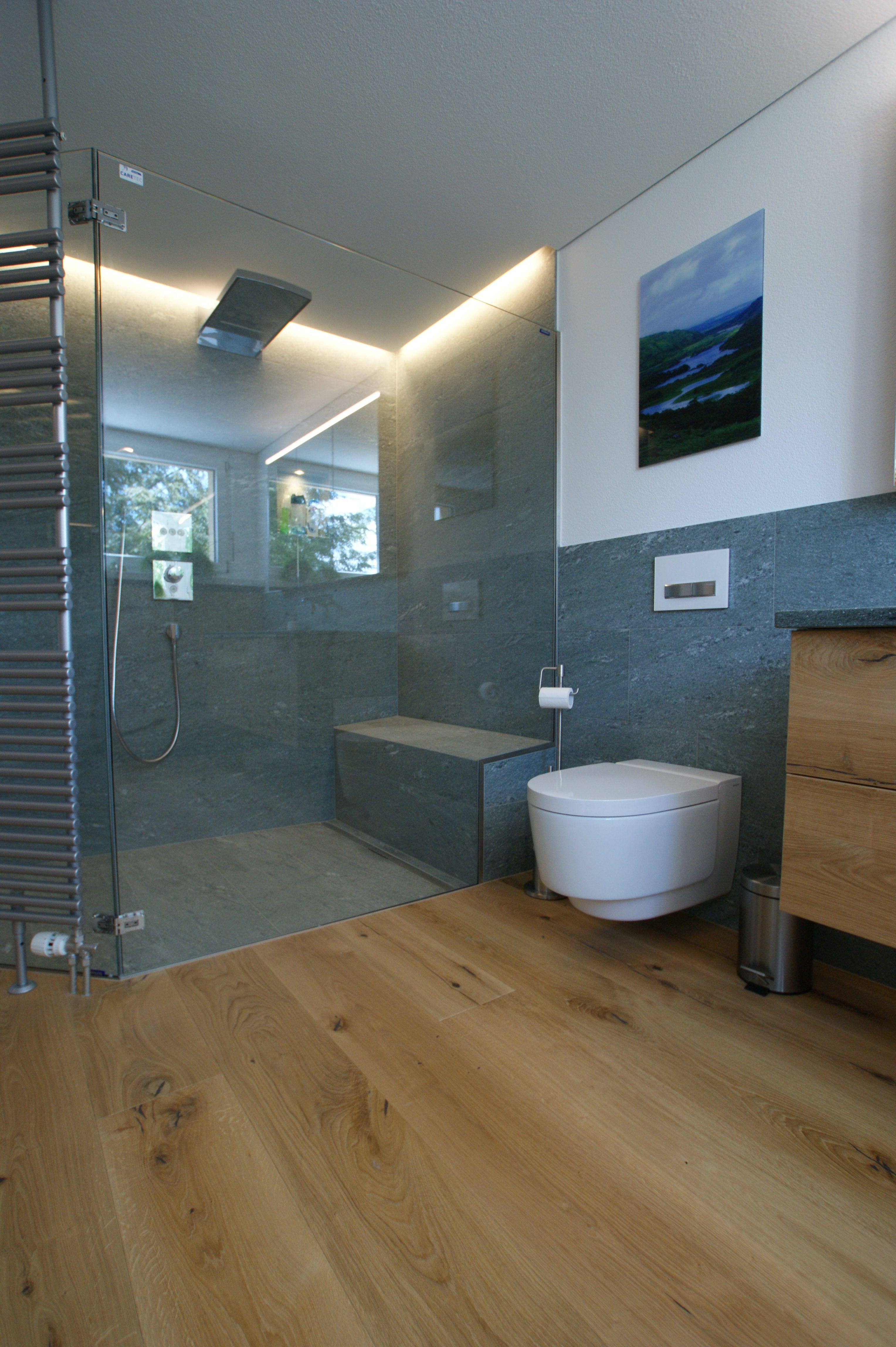 Massivholzboden In Badezimmerumbau Mobel Mit Parkett Hergestellt Badezimmer Inspiration Badezimmer Parkett