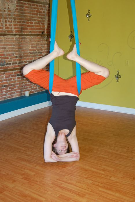 Aerial Sling Aerial Hammock Moves The Frog Aerial Yoga Aerial Aerial Hammock
