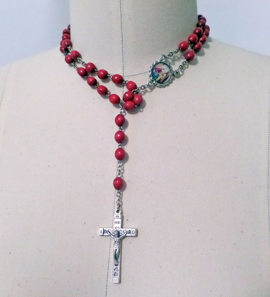 Red Rosary Wood / Seed Beads Holy Family Center Medal Italy Heart ...