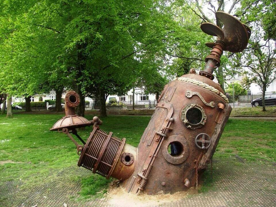 Sculptute in park.from Brian Kesingers tea girls FB