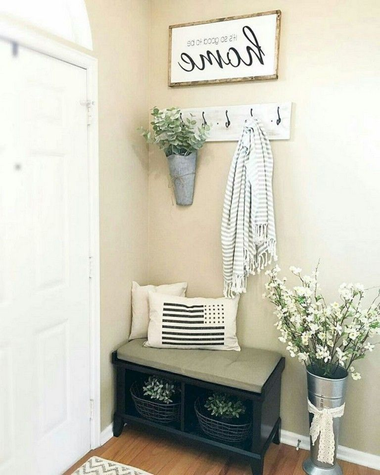 17+ Awesome Small Entry Way Apartment Decor Ideas ...