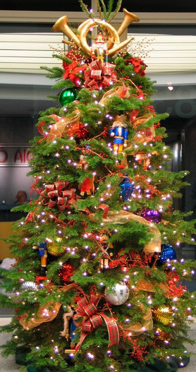 Pin By Linda Baker On Christmas 50 Christmas Tree Themes