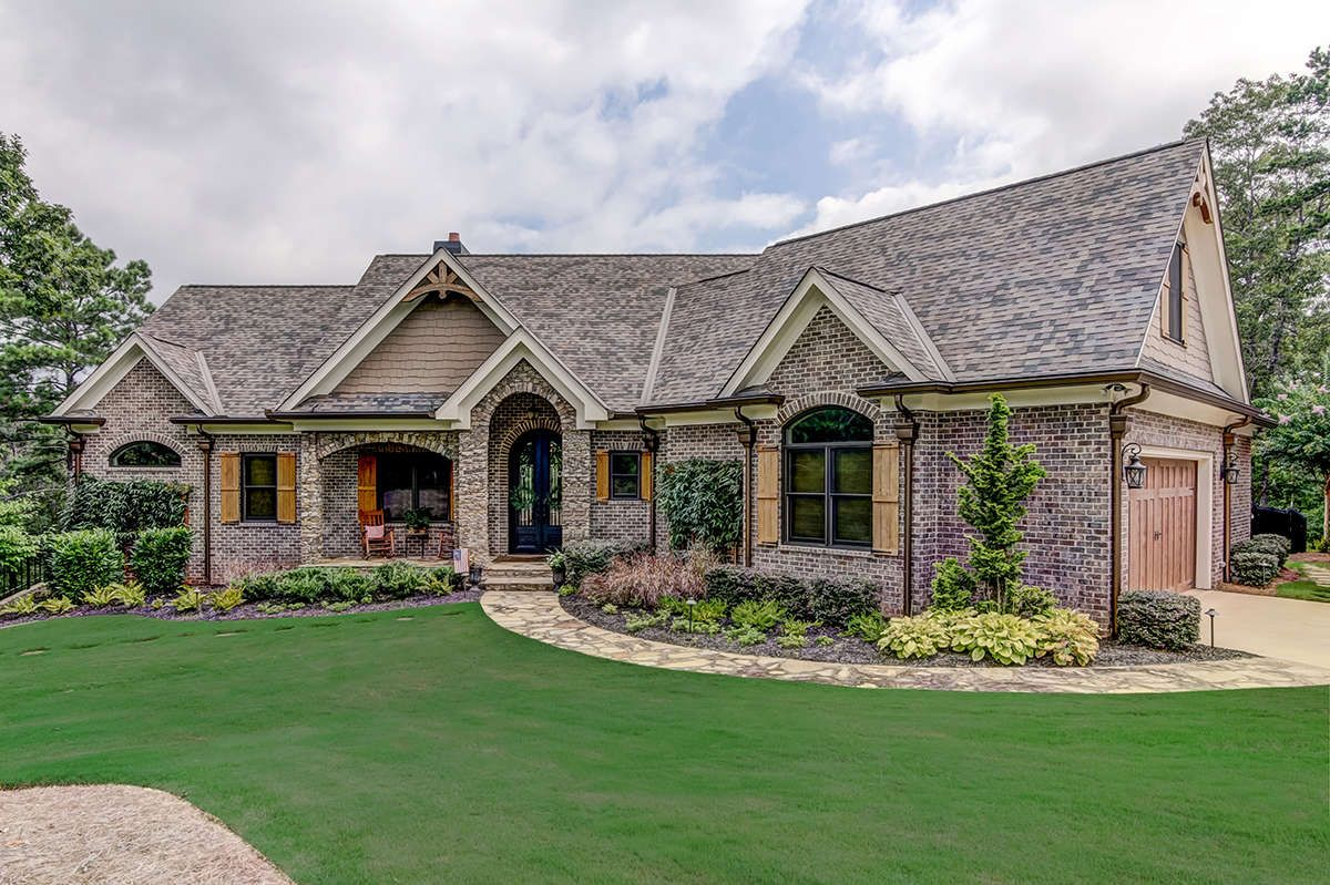 House Plan 699 00128 French Country Plan 2 806 Square Feet 3 Bedrooms 2 5 Bathrooms French Country House Brick Exterior House Country House Plan