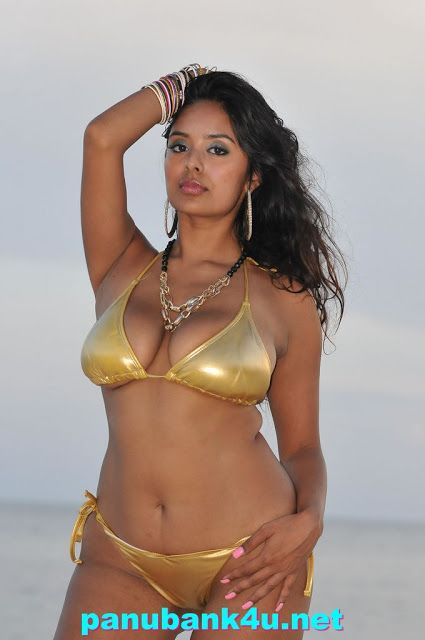 Indian Aunty In Bikini