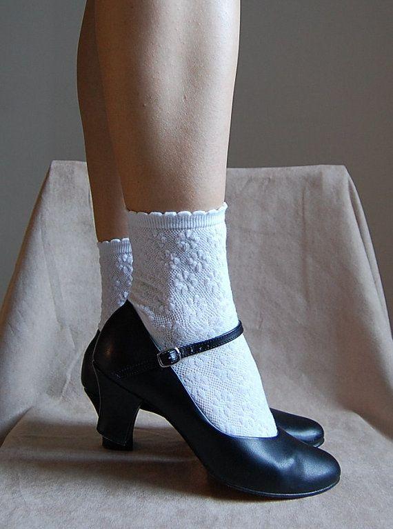 d80457137e68 1980s black ankle strap shoes   vintage heels   size 8