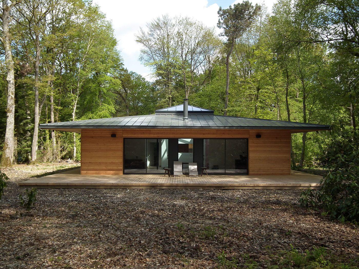 Normandie une maison ossature bois carr e en pleine for t par e2r la maison bois par for Maison prefabriquee bois