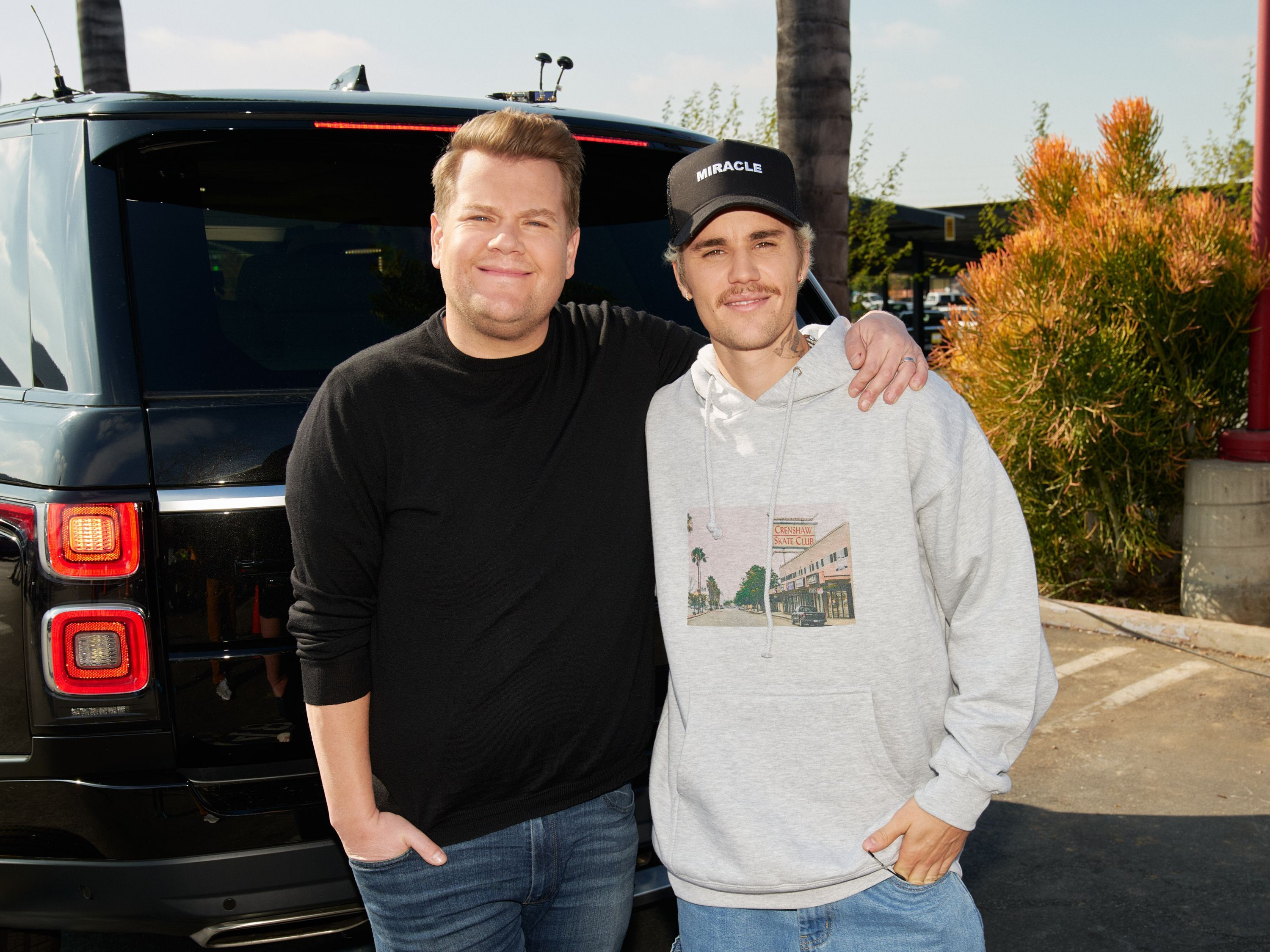 Justin Bieber and James Corden opened a food truck during an episode of #TheLateLateShow. They sold tacos and grilled cheese sandwiches during the segment, with all the profits going to the L.A. Food Bank.   #makingadifference #JustinBieber #tipstor #JamesCorden #TacoTuesday #taco