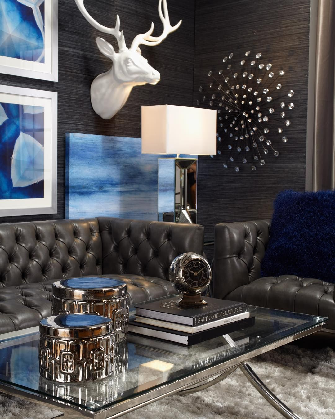 Living Room Feature Wall Decor: Style Tip: Set The Mood For A Lavish Lounge With Modern